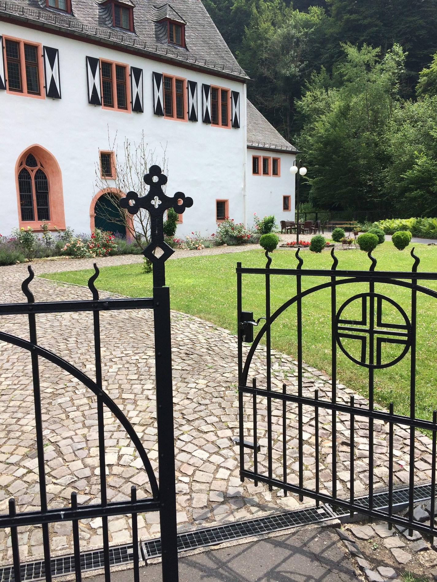 Die Pforte des Klosters Ehrenstein