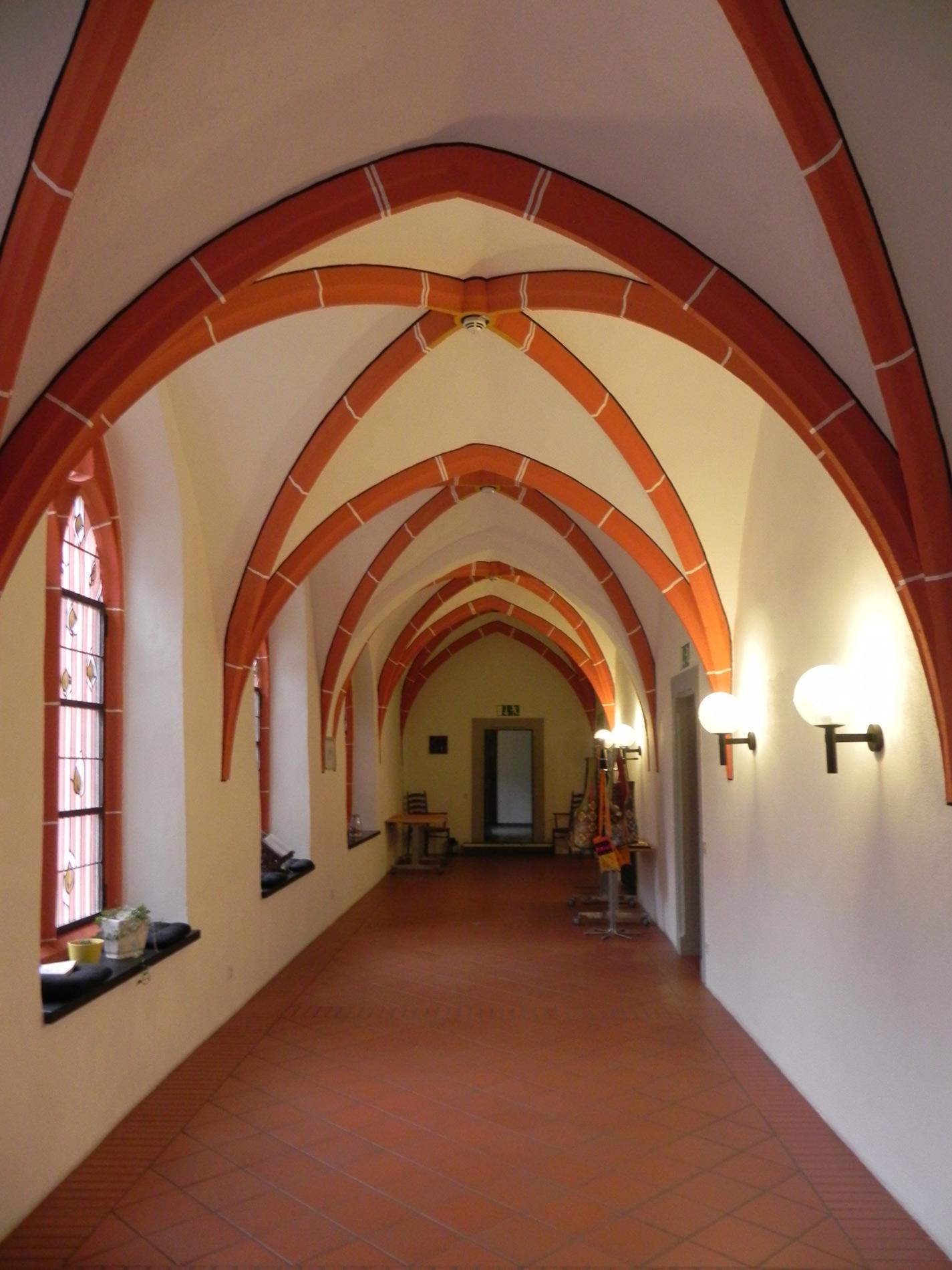 Wandelgang im Kloster Ehrenstein